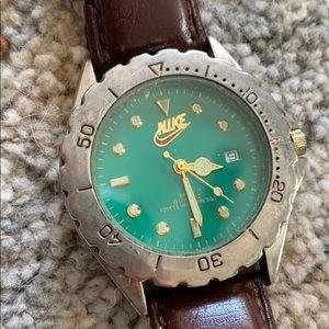 Vintage Nike SB watch w leather strap